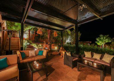 karma-lounge-terrasse